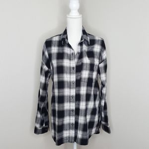 Old Navy Black and White Boyfriend Button Up Shirt